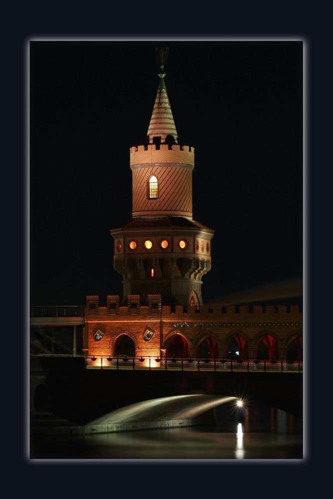 Turm der Warschauer Brücke in Berlin