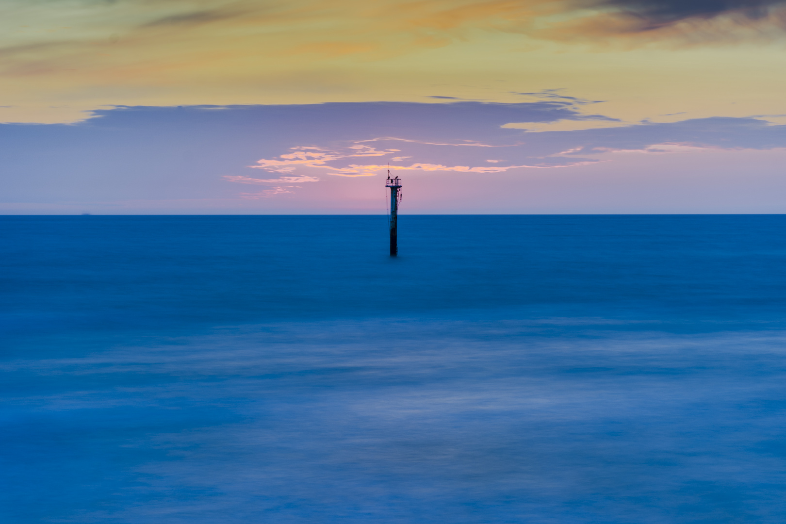 Turm im Meer