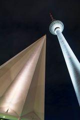Turm und Dachspitze