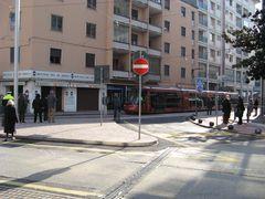 Tutti a guardare il tram!