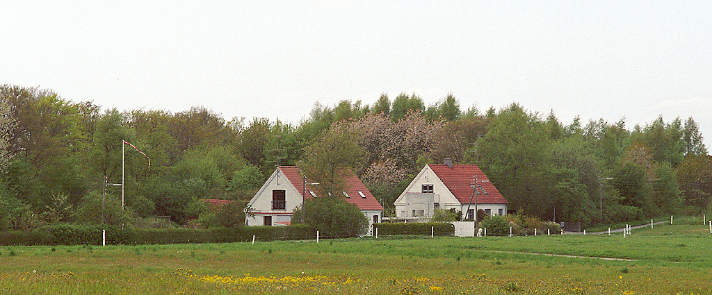 Two cottages (2/4)