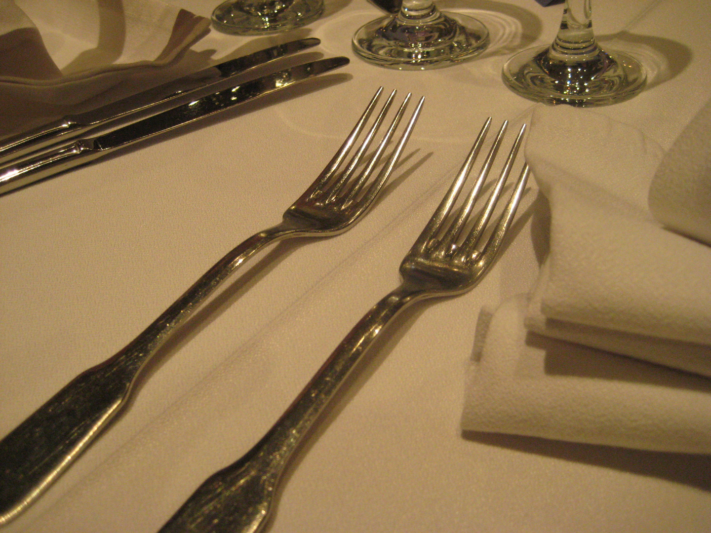Two forks...................................