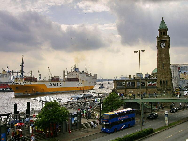 typisch Hamburg (Landungsbrücken)