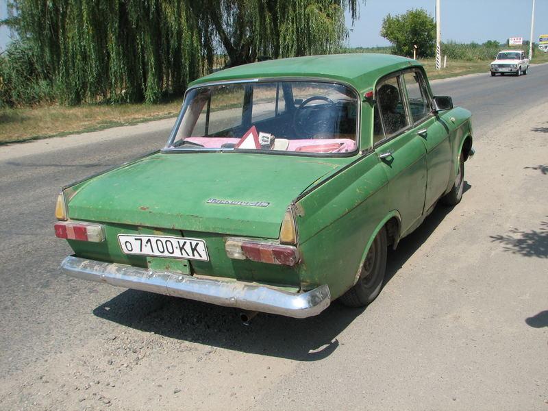 typisch russisch moskwitsch 412 foto bild autos. Black Bedroom Furniture Sets. Home Design Ideas