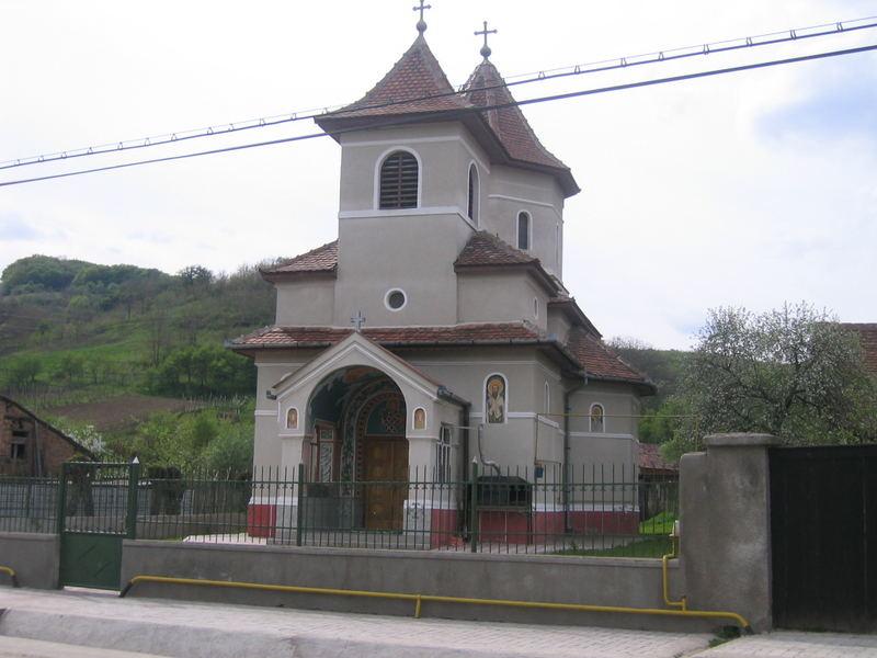 Typische rumänisch-orthodoxe Kirche in Valea Lunga
