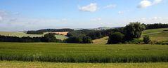 Typisches hügeliges Erzgebirgsvorland in der Nähe von Augustusburg