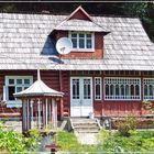 Typisches Huzulen-Anwesen, in den Waldkarpaten...............
