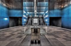 * U-Bahn 4 *