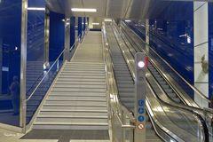 U-Bahn Düsseldorf Schadowstraße - Treppenaufgang  und Rolltreppen