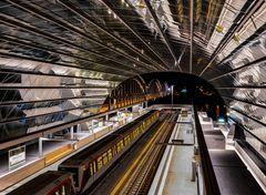 U-Bahn Hamburg im Elbbrückenzentrum