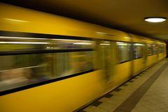 U-Bahn ohne Frau