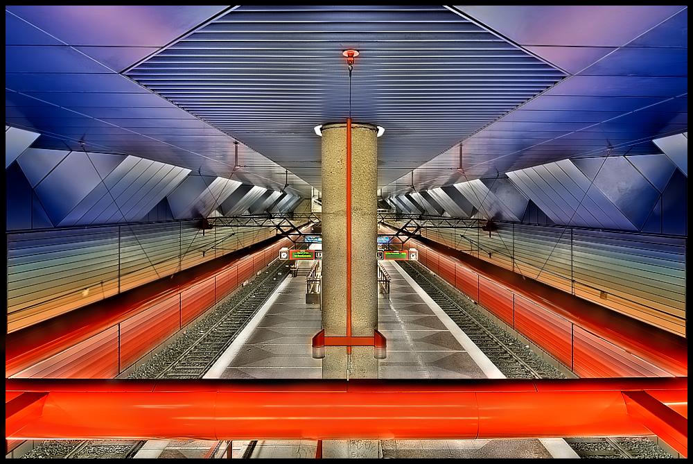 "U-Bahn Station ""DU-HBF"""