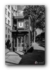 U-Bahn Uhlandstraße / Berlin