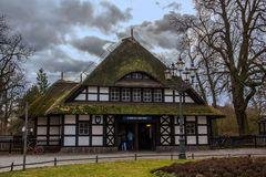 U-Bahnhof Dahlem-Dorf von aussen