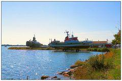 U-Boot und Seenotrettungskreuzer