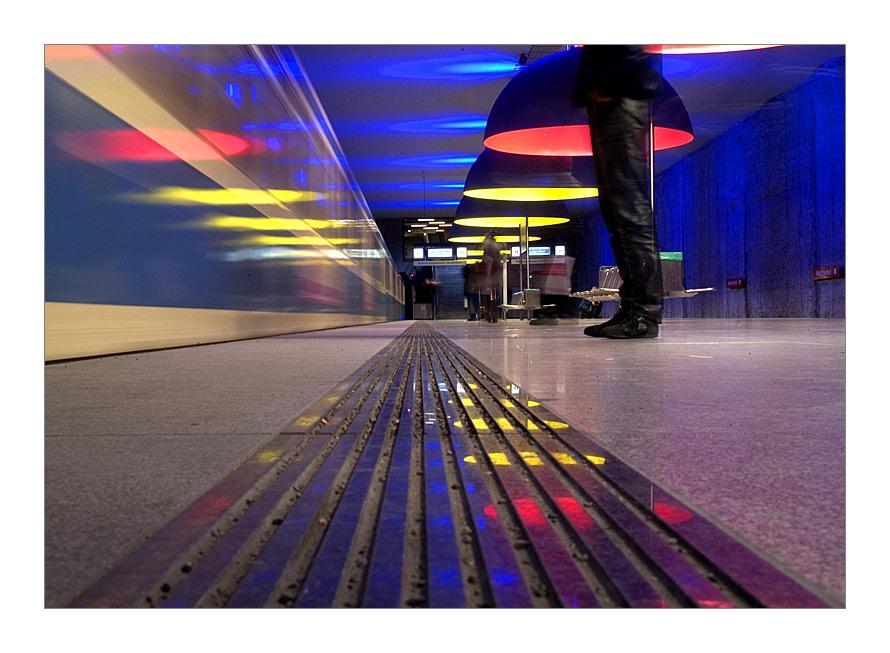 U1 - Westfriedhof / Bahnsteig