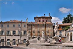 Udine - An der Piazza della Liberta (3)