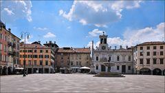 Udine - Piazza Giacomo Matteotti (1)