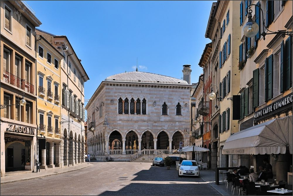Udine - Strasse und Loggia del Lionello