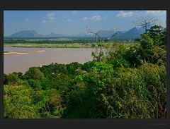 Über dem Thanlwin Fluss