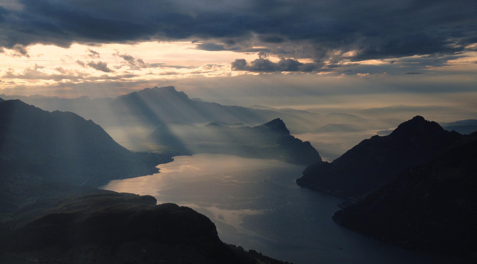 über dem Vierwaldstätter See
