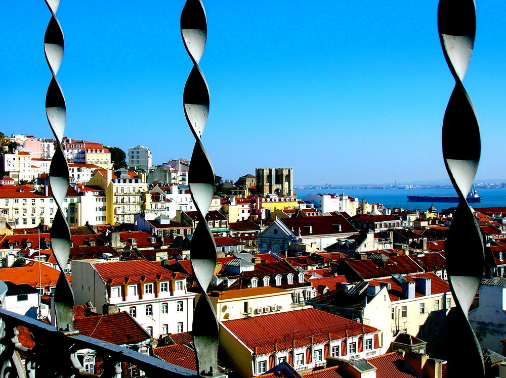 Über den Dächern Lisboas