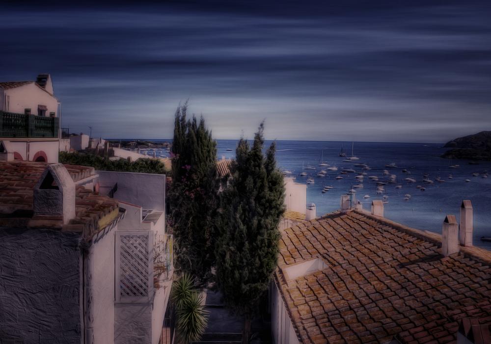 Über den Dächern von Cadaques / Costa Brava