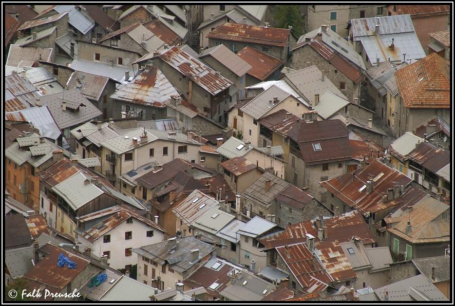 Über den Dächern von Colmars