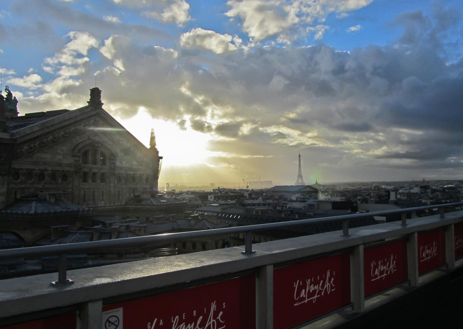 Über den Dächern von Paris II