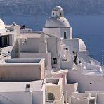 Über den Dächern von Santorin
