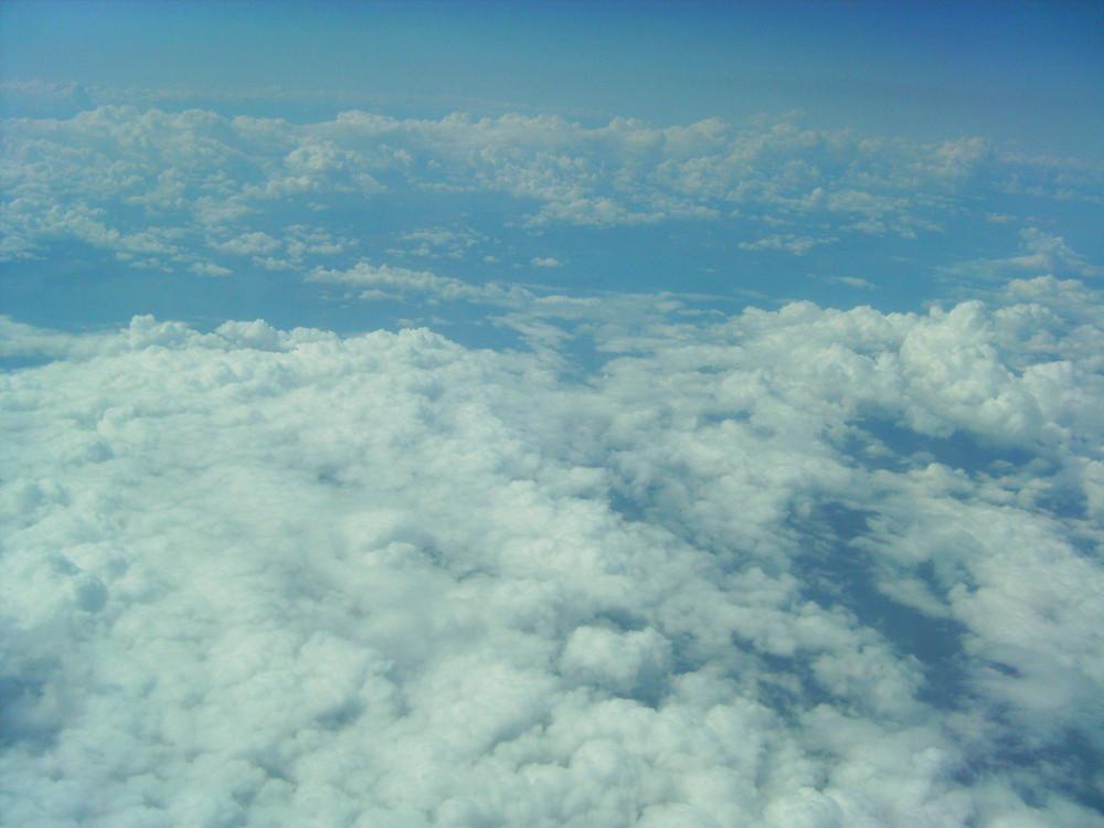 über den Wolken auf dem Weg nach hause