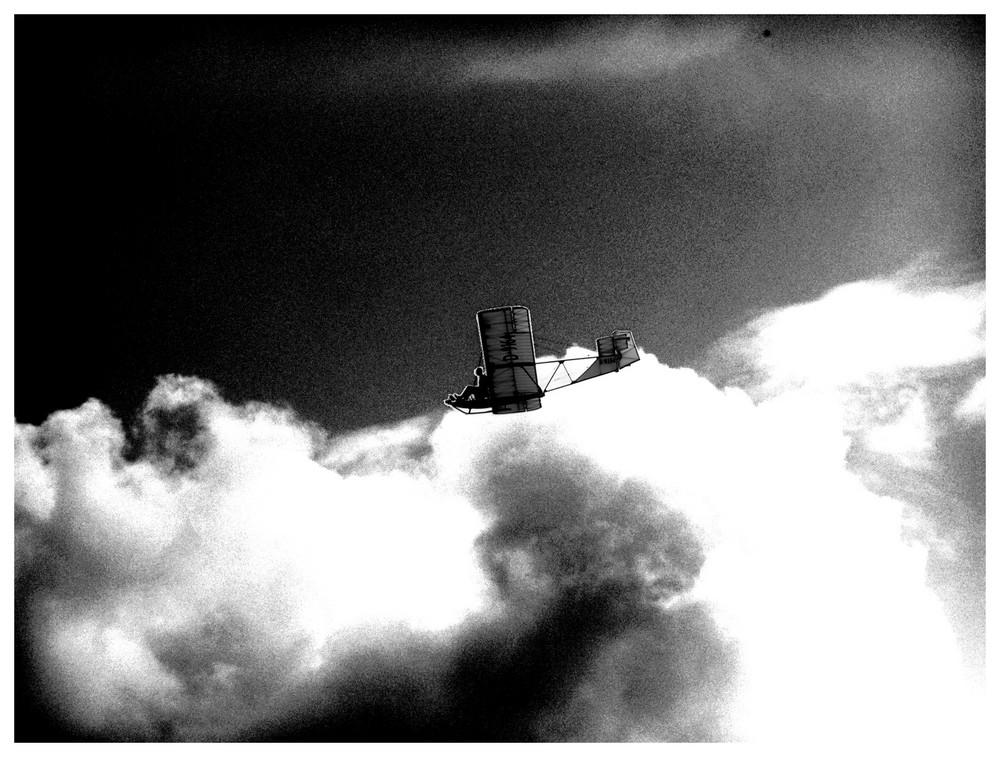 """...""""..über den Wolken...""""  Filigran und doch stabil der Segelflug Oldtimer"""