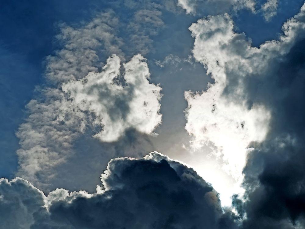 Über den Wolken... - Un regard au-delà de nos soucis et peines...