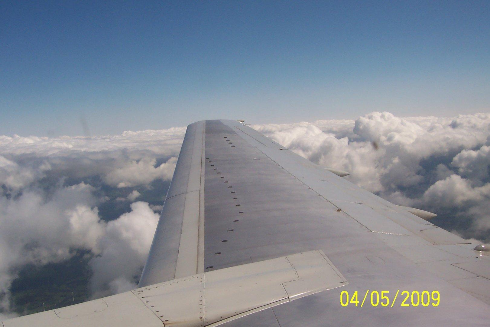 Über den Wolken,muss die Freiheit wohl.........