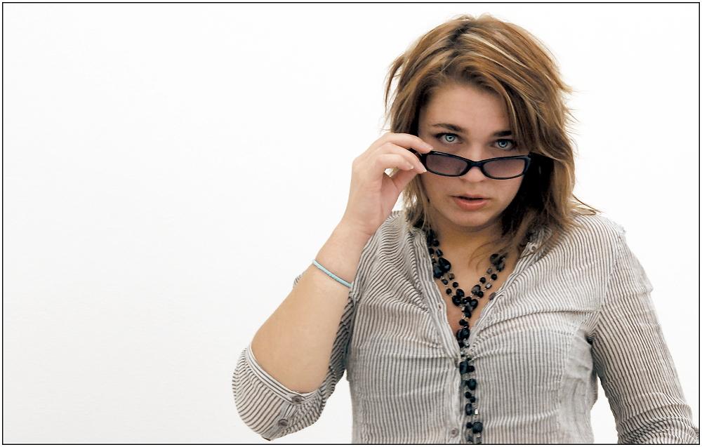 ... über die Brille geguckt ...
