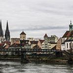 Über die Donau zu Regensburg