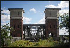 ...Über sieben Brücken mußt du geh´n...