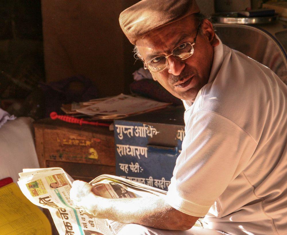 überraschter Leser India street