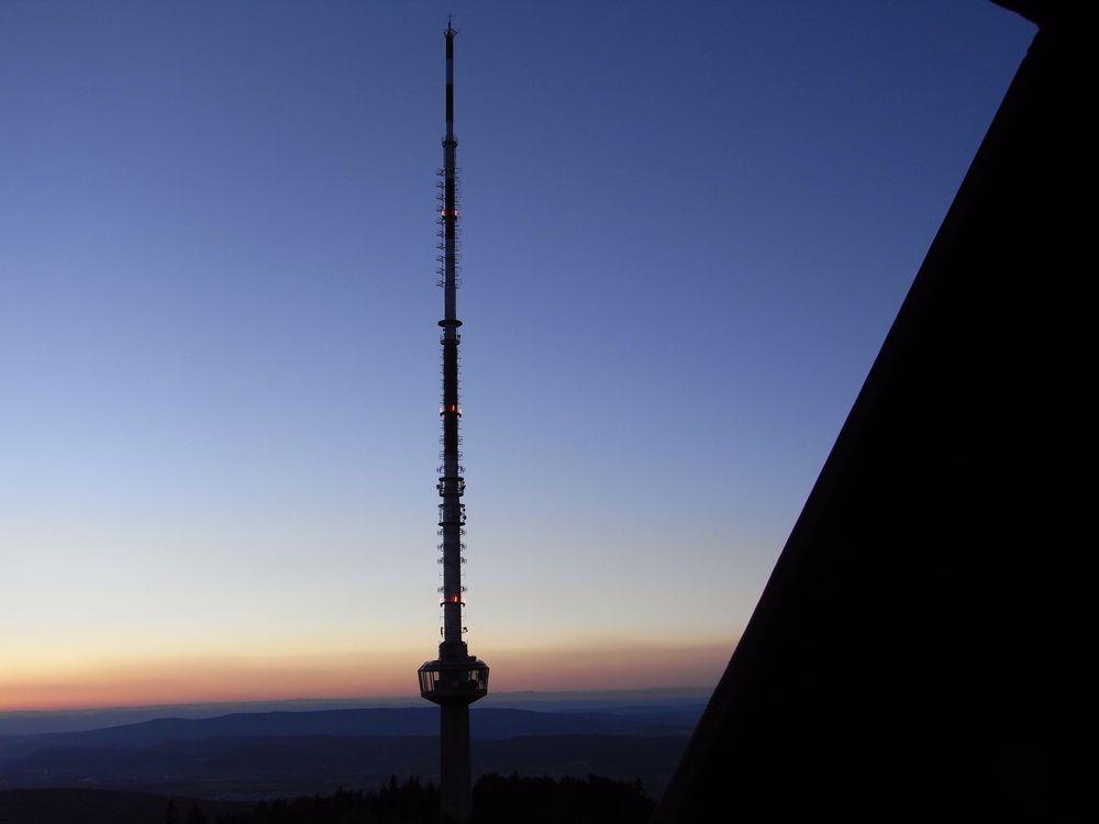 Üetliberg Fernsehturm by night
