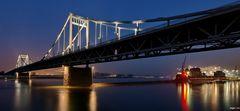 Uerdinger Brücke mit Hafen