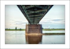 Uerdinger Rheinbrücke ....