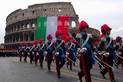 Ufficiali dell'Arma dei Carabinieri sfilano davanti il Colosseo alla festa della Repubblica