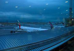Ufos spähen Airport Frankfurt a. M. aus :-) :-) :-)