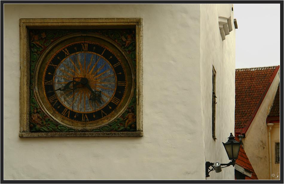 Uhr der Heiliggeistkirche