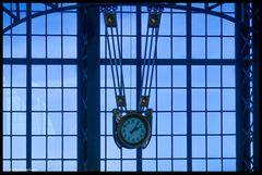 Uhr in der Maschinenhalle Zechern