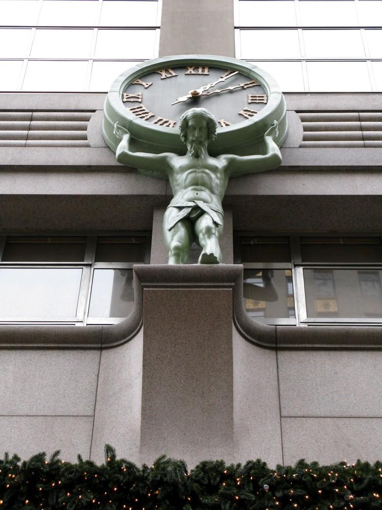 """Uhr über dem Haupteingang von """"Tiffany & Co."""" 5th Av."""