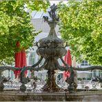 Ulm / am Delphinbrunnen