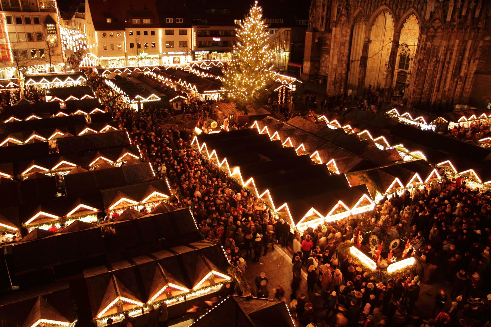 Ulm Weihnachtsmarkt.Ulmer Weihnachtsmarkt Foto Bild Deutschland Europe Baden
