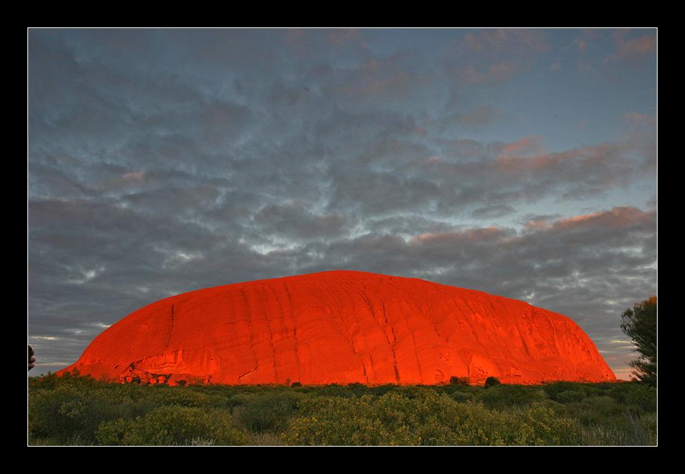 Uluru im Morgenlicht