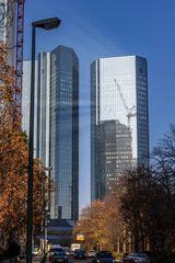 Umbau bei der Deutschen Bank ?